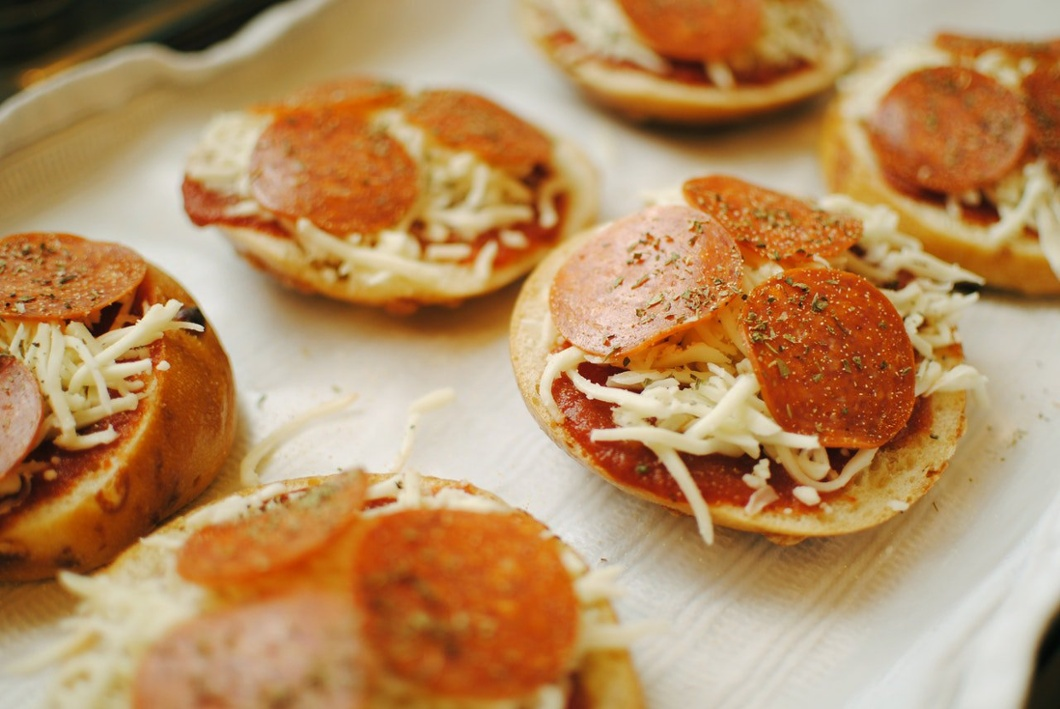 Think of microlearning training as making mini pizzas.